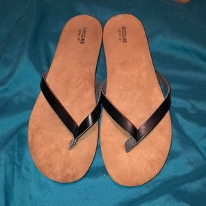 Mossimo black thong sandals women's 10
